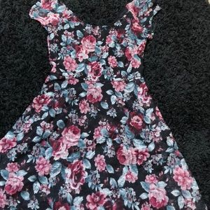 Floral dress with lace